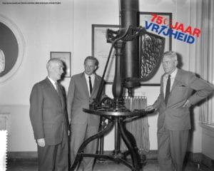 Jan Hendrik Oost in de Leidse sterrenwacht